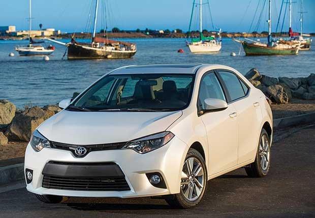 Autos excelentes para alquilar en tus viajes - Toyota Corolla