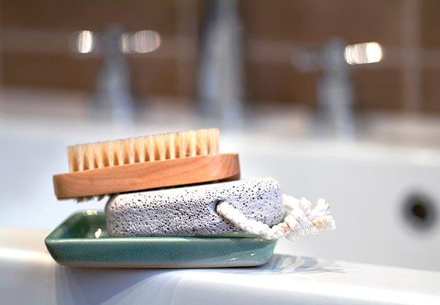 Cepillo para exfoliarse - Maneras de verse más joven