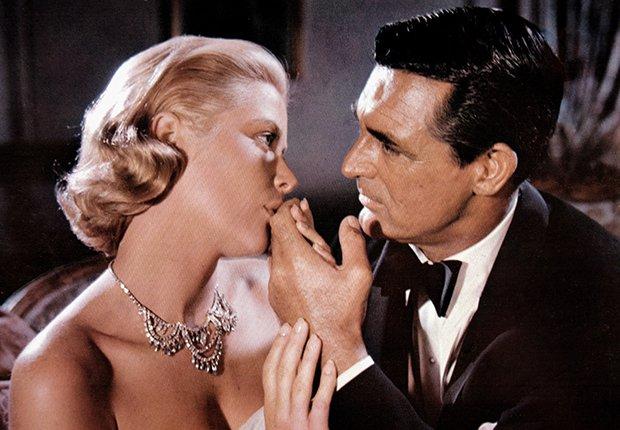 Grace Kelly y Cary Grant en una escena de la película To Catch a Thief, 1955