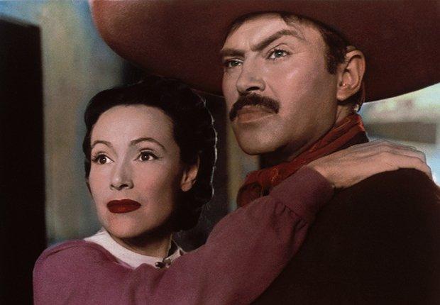 Pedro Armendáriz un actor que dejó huella en México y Hollywood - En una escena de la película La Malquerida con la actriz  Dolores del Río, 1949