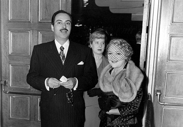 Pedro Armendáriz un actor que dejó huella en México y Hollywood. Aquí al lado de la productora Mary Pickford en Hollywood, 1950