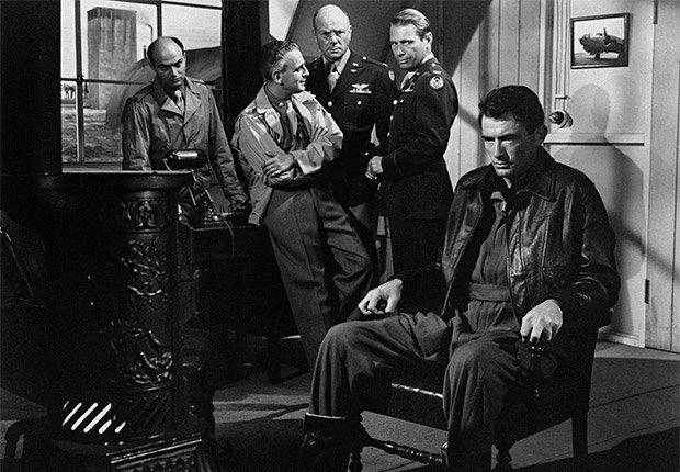 Gregory Peck en una escena de la película 'Twelve O'Clock High' - Carrera del actor en Hollywood