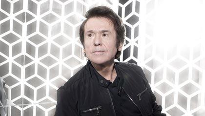 El cantante español Raphael lanza gira internacional 2013 a los 69 años.