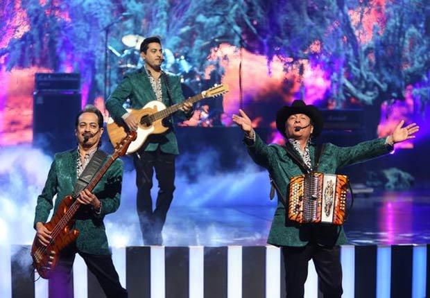 Los Tigres del Norte - Los Tigres del Norte cantaron su clásico