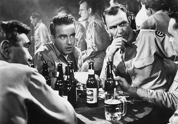 Frank Sinatra en una escena de la película From Here to Eternity - 100 años de su natalicio