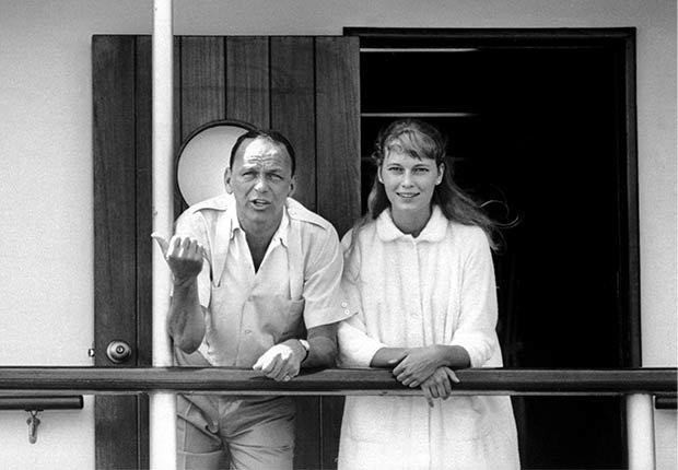 Frank Sinatra y Mia Farrow - 100 años de su natalicio