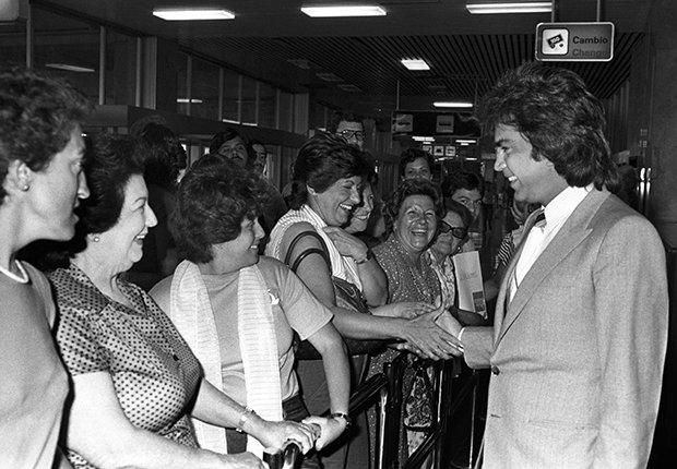 José Luis Rodríguez, El Puma. Un recorrido a la carrera del cantante venezolano. Madrid, 1983