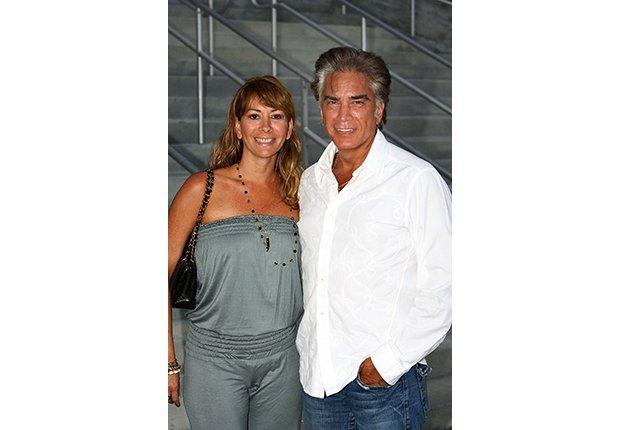 José Luis Rodríguez, El Puma. Un recorrido a la carrera del cantante venezolano. Con su esposa, Carolina Rodríguez. Miami, 2007