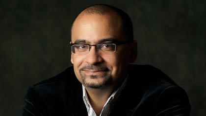 Junot Diaz ganador del premio Pulitzer y autor del libro How You Lose Her