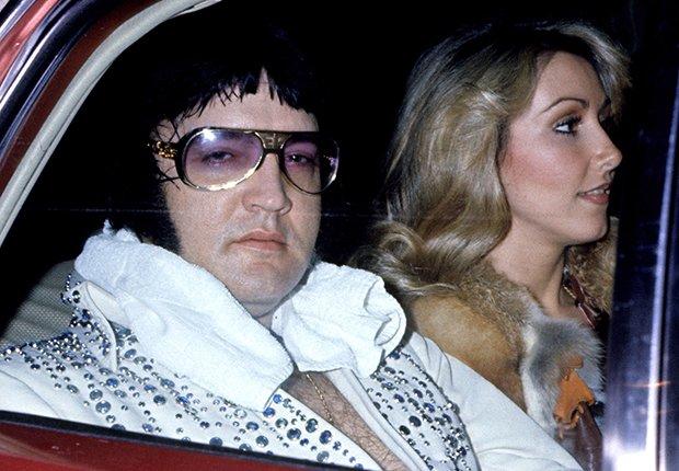 El rey del rock n roll con Linda Thompson - Elvis Presley, 40 años de su muerte