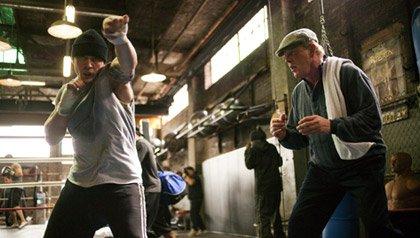 Reseña de la película Warrior: Nick Nolte entrena a un boxeador en esta película