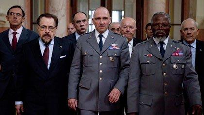 Brian Cox, Ralph Fiennes, y John Kani protagonizan la película: Coriolanus