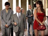 Alessandro Tiberi, Roberto Della Casa y Penélope Cruz en una escena de la película de Woody Allen, To Rome with Love.