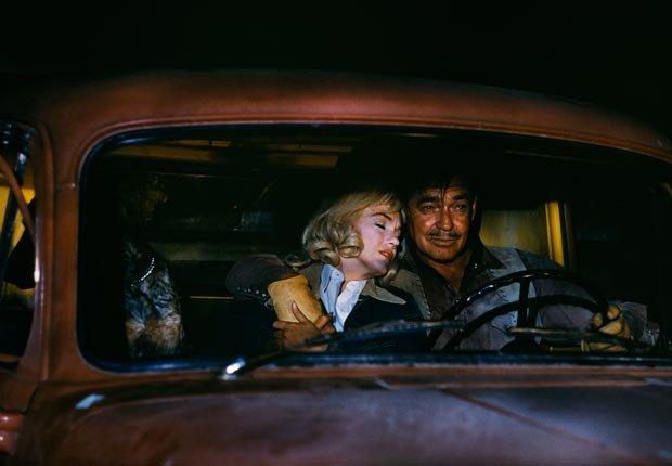 Marilyn Monroe con Clark Gabel en una escena de la película 'The Misfits'.