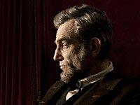 Daniel Day-Lewis como Abraham Lincoln en la película Lincoln - Premios 2013 de AARP Movies for Grownups.