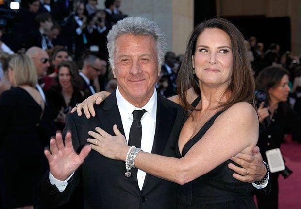 Actor Dustin Hoffman, left, and wife Lisa Hoffman arrives at the Oscars