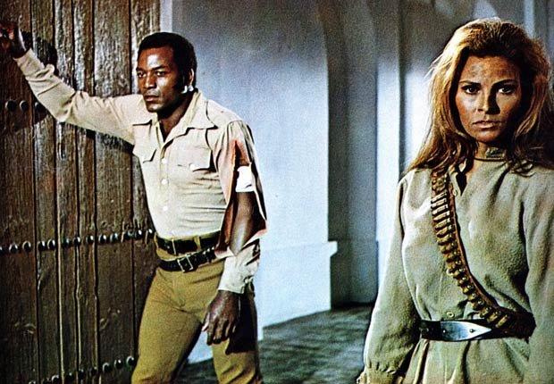 Foto de la película del Oeste 100Rifles, 1969, coprotagonizada por Raquel Welch y Jim Brown
