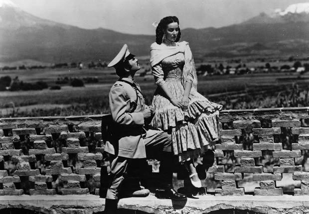 María Félix en Enamorada, 1946 - 10 películas clásicas mexicanas con María Félix.