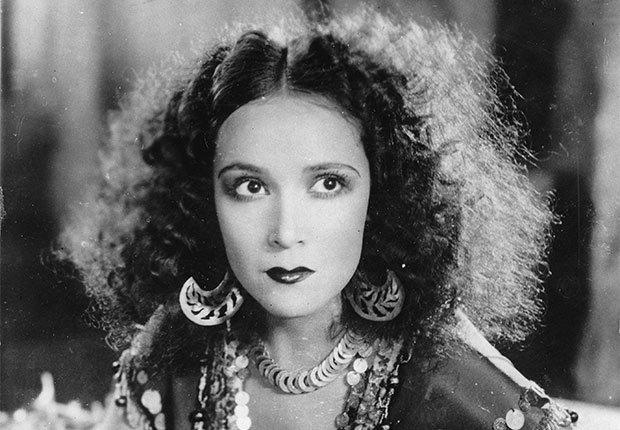 Dolores del Río en Revenge - Actriz de la época dorada del cine mexicano y Hollywood