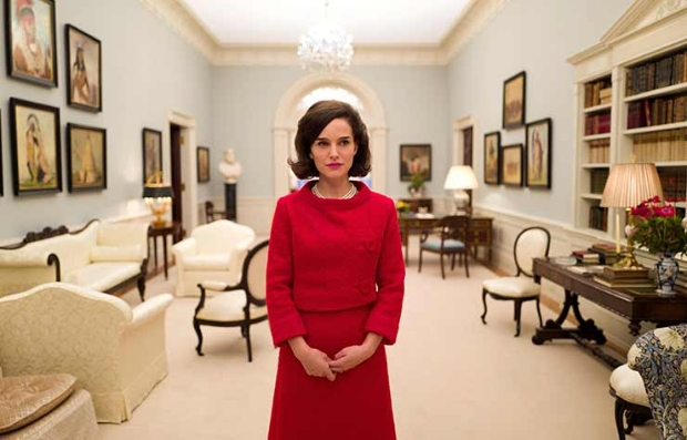Natalie Portman como Jackeline Kennedy Onnassis en la película Jackie
