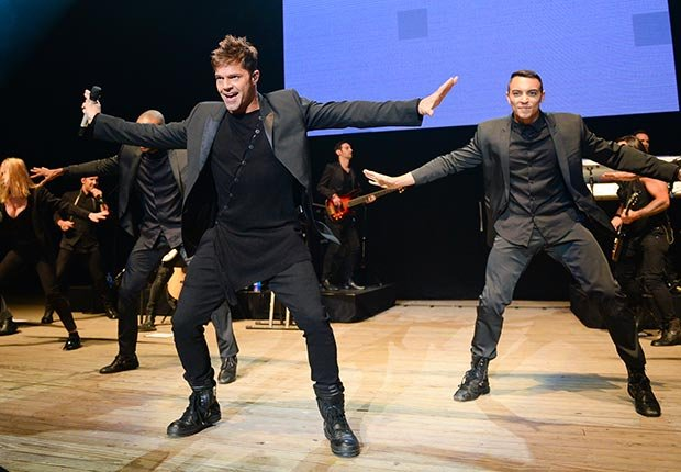 Ricky Martin - Canciones clásicas del pop latino y sus intérpretes