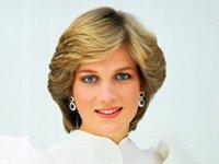 Príncesa Diana con vestido blanco