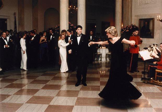 Princesa Diana, baila con John Travolta