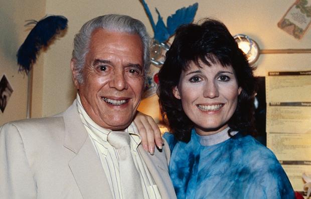 Desi Arnaz y su hija Lucie Arnaz en una foto en California