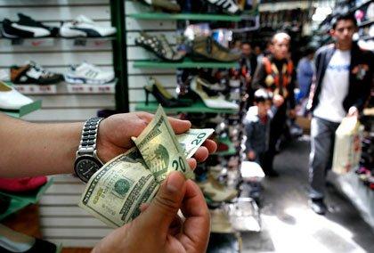 Latinos y la Economía