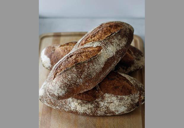 Pan francés del trigo integral, 10 alimentos saludables ricos en calorías