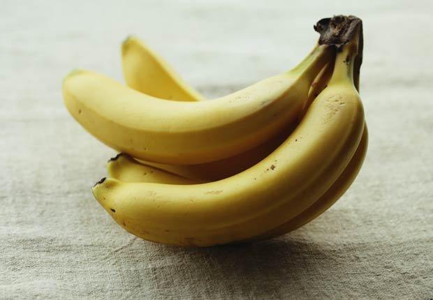 Bananos - 10 alimentos saludables que pueden ayudar a relajarse