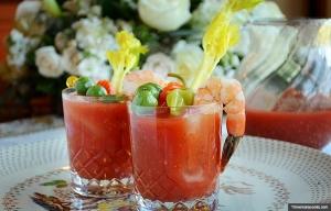 Bloody Mary. Recetas de cócteles de vacaciones.