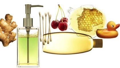 Remedios caseros - Disposición de vapor frotar, una cuchara con leche de magnesia, un vaso de agua, los arándanos.