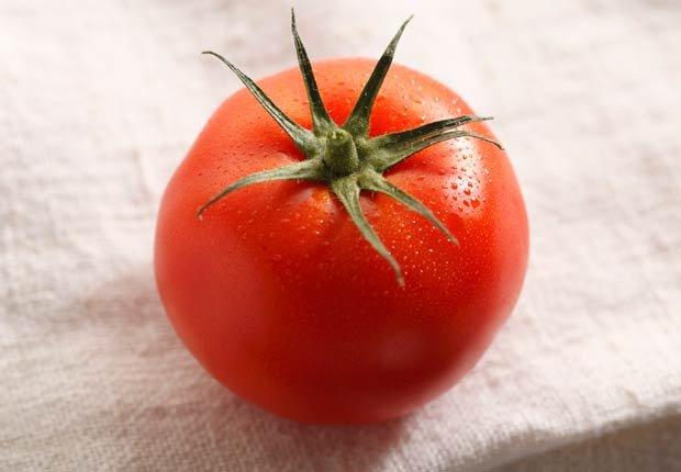 Tomates - 10 alimentos que pueden agravar la artritis.