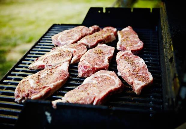 Carne roja - 10 Alimentos que se deben evitar con la presión arterial alta