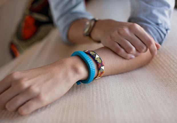 Mano con accesorios - Regalos buenos para la salud