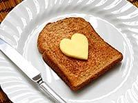 Pan tostado con mantequilla - Mitos sobre el colesterol