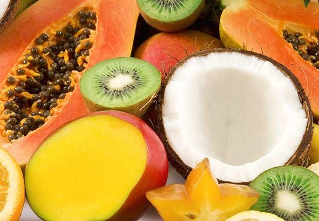 Pudín de coco con papaya y mango