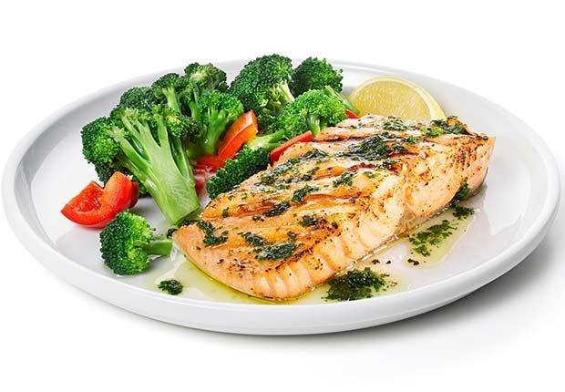 Salmón y vegetales