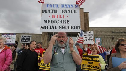 Protesters in Wisconsin against Medicare and Social Security cuts