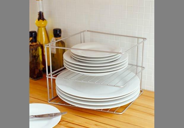 Estantes de alambre para organizar sus platos - Organice su cocina