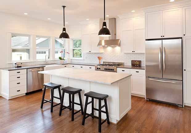 Claves para reflejar el estilo minimalista en tu hogar - Mesón de cocina