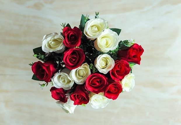 Flores con significado para decorar en ocasiones especiales - Rosas