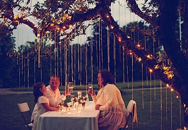 Decoración que hará cualquier boda inolvidable - Ramas de árbol iluminadas