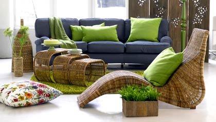 sala con muebles de mimbre: abra su casa a la primavera sin las alergias