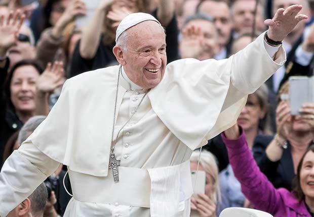 Papa Franscisco - Salarios de los famosos