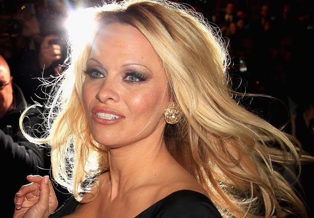 Actriz Pamela Anderson  - Los problemas fiscales de los ricos y famosos