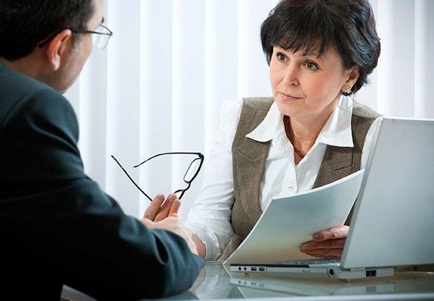 Reunión de trabajo - Deducción de impuestos, gastos búsqueda de trabajo