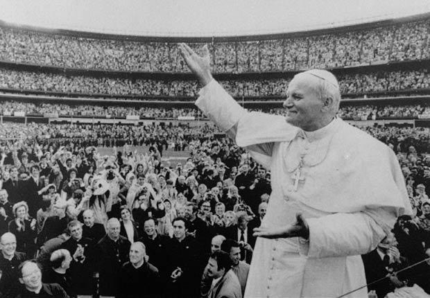 Juan Pablo II - Papado: 16 de octubre 1978 – 2 de abril, 2005