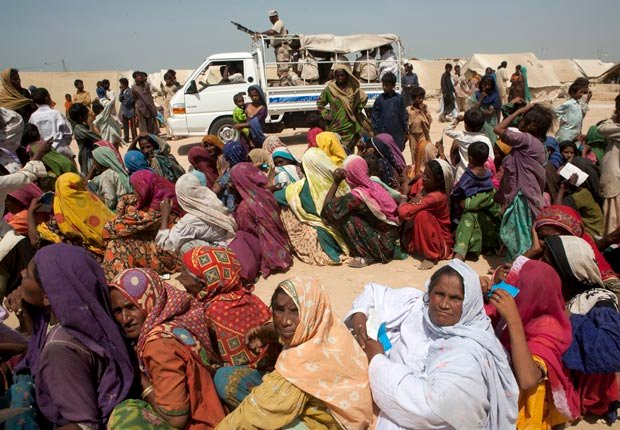 Flood refugee campsite of twenty thousand residents, 10 effects of climate change